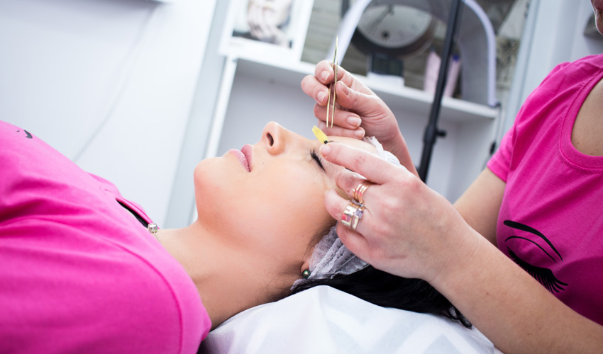 how remove eyelash extension